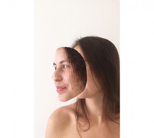 Viktor-Kovac_03_2.-Maska-Pixelized-rozsirena-realita-instagramovy-filter-2020